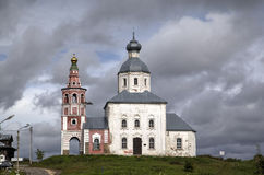 Iglesia de Elijah Prophet en la pena de Ivanova en la curva del río de Kamenka Suzdal Fotografía de archivo