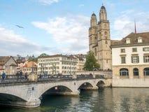 Iglesia de Grossmunster en Zurich Foto de archivo