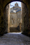 Iglesia de Guilhem le desert del santo Imágenes de archivo libres de regalías