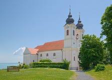 Iglesia de la abadía de Tihany del benedictino, Hungría Imagenes de archivo