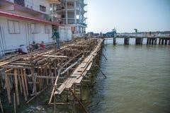 Iglesia de la abeja de las contribuciones en el mar, Tailandia Fotografía de archivo
