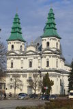 Iglesia de la catedral de la arquitectura en Ternopil Imagen de archivo libre de regalías