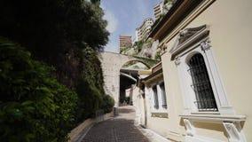 Iglesia de la catedral en ciudad del verano de Mónaco Monte Carlo almacen de metraje de vídeo