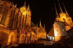 Iglesia de la catedral y de Severi en Erfurt en tiempo de la Navidad fotografía de archivo libre de regalías
