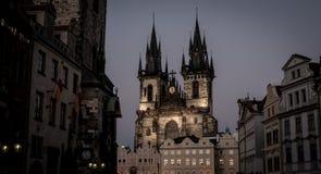 Iglesia de la madre de dios delante de Týn Fotos de archivo libres de regalías