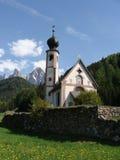 Iglesia de la montaña Fotos de archivo libres de regalías