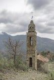 Iglesia de la montaña en el Apennines Fotos de archivo
