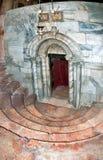 Iglesia de la natividad en Belén, la pendiente en la cueva, fotos de archivo