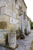 Iglesia de la pared de piedra Fotos de archivo libres de regalías