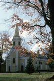 Iglesia de la pequeña ciudad Fotos de archivo libres de regalías