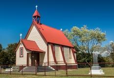 Iglesia de la pequeña ciudad Imagen de archivo libre de regalías