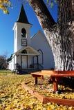 Iglesia de la pequeña ciudad Fotografía de archivo libre de regalías