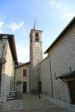 Iglesia de la pequeña ciudad Imagenes de archivo