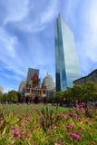 Iglesia de la trinidad y John Hancock Tower, los E.E.U.U. de Boston Imagen de archivo libre de regalías