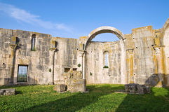 Iglesia de los SS. Trinidad. Venosa. Basilicata. Italia. Foto de archivo