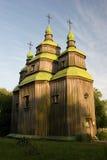 Iglesia de madera en el parque Foto de archivo