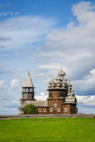 Iglesia de madera en Kizhi bajo reconstrucción Imágenes de archivo libres de regalías