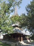 Iglesia de madera, pueblo de Jercălăi, el condado de Prahova Fotos de archivo