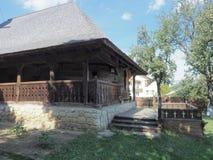 Iglesia de madera, pueblo de Jercălăi, el condado de Prahova Imagen de archivo