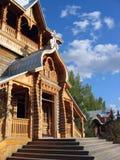 Iglesia de madera rusa foto de archivo