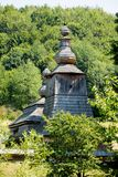 Iglesia de madera vieja en Mirola, Eslovaquia Imagen de archivo