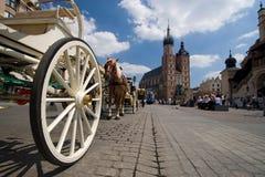 Iglesia de Mariacki en Cracovia Imágenes de archivo libres de regalías
