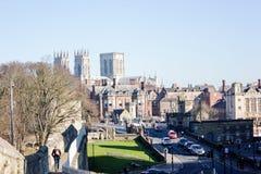 Iglesia de monasterio de York y ciudad vieja en Inglaterra, el Reino Unido, 2019 imagenes de archivo