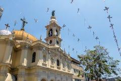 Iglesia de Nossa Senhora Achiropita en la vecindad de Bixiga - Sao Paulo, el Brasil imagen de archivo