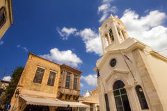 9 9 2016 - Iglesia de nuestra señora de ángeles y de edificios viejos en Rethymno Imagen de archivo