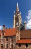 Iglesia de nuestra señora Spire, Brujas foto de archivo