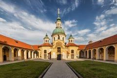Iglesia de nuestra señora Victorious en la montaña blanca en Praga Fotos de archivo