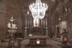 Iglesia de piedra tallada - mina de sal de Wieliczka - Polonia imagen de archivo libre de regalías