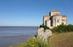 Iglesia de Sainte Radegonde (Francia) imagen de archivo libre de regalías