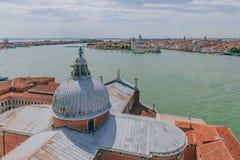 Iglesia de San Giorgio Maggiore y la ciudad de Venecia, Italia, VI imagenes de archivo