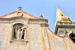 Iglesia de San Giuseppi pintada en colores en colores pastel en Taormina imágenes de archivo libres de regalías