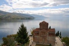 Iglesia de San Juan en Kaneo en Ohrid, Macedonia fotografía de archivo libre de regalías
