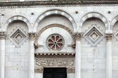 Iglesia de San Micaela in foro - Lucca Imagen de archivo