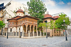 Iglesia de San Miguel y de Gabriel en Bucuresti, Rumania. Fotografía de archivo