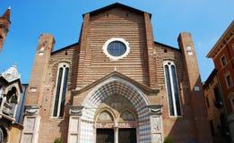 Iglesia de Santa Anastasia en Verona, Italia imagenes de archivo