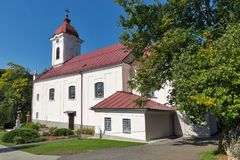 Iglesia de St Luke en el balneario Sklene Teplice, Eslovaquia Foto de archivo libre de regalías