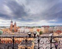 Iglesia de St Mary en la plaza del mercado principal kraków Foto de archivo libre de regalías