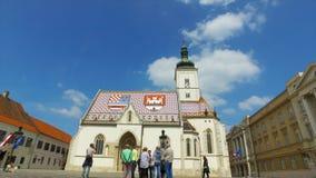 Iglesia de StMarco en el timelapse croata de Zagreb de la capital metrajes