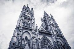 Iglesia de Voto Nacional del de la basílica en Quito, Ecuador Fotografía de archivo