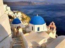 Iglesia del azul de Oia Foto de archivo libre de regalías