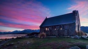 Iglesia del buen pastor construido desde 1935, lago Tekapo, nuevo Z imágenes de archivo libres de regalías