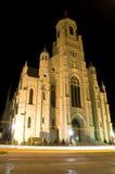 Iglesia del cantón en la noche imagenes de archivo