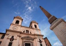 Iglesia del dei Monti, Roma de Triniti Imagen de archivo libre de regalías