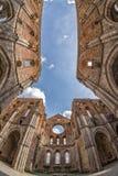 Iglesia del galgano de San sin el tejado en Toscana Imagen de archivo