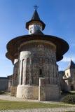 Iglesia del monasterio de Sucevita Fotos de archivo libres de regalías