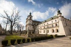 Iglesia del obispo de StStanislaus Construido 1472, en 1733-1751 la iglesia recibió una decoración barroca Foto de archivo